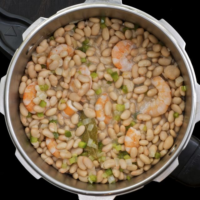 White Beans and Shrimp in Pressure Cooker